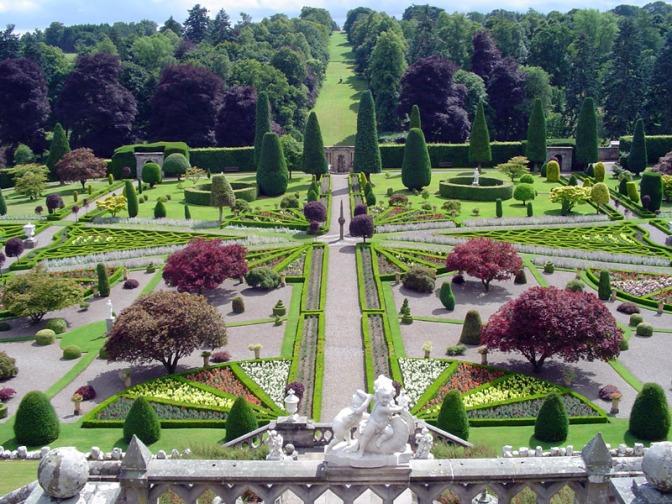 drummond_castle_gardens_original